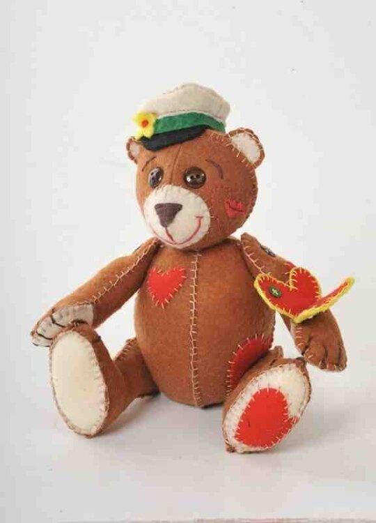 Набор для изготовления игрушки из фетра арт.ПФЗД-1003 'Влюбленный мишка' 23,5х17,5см